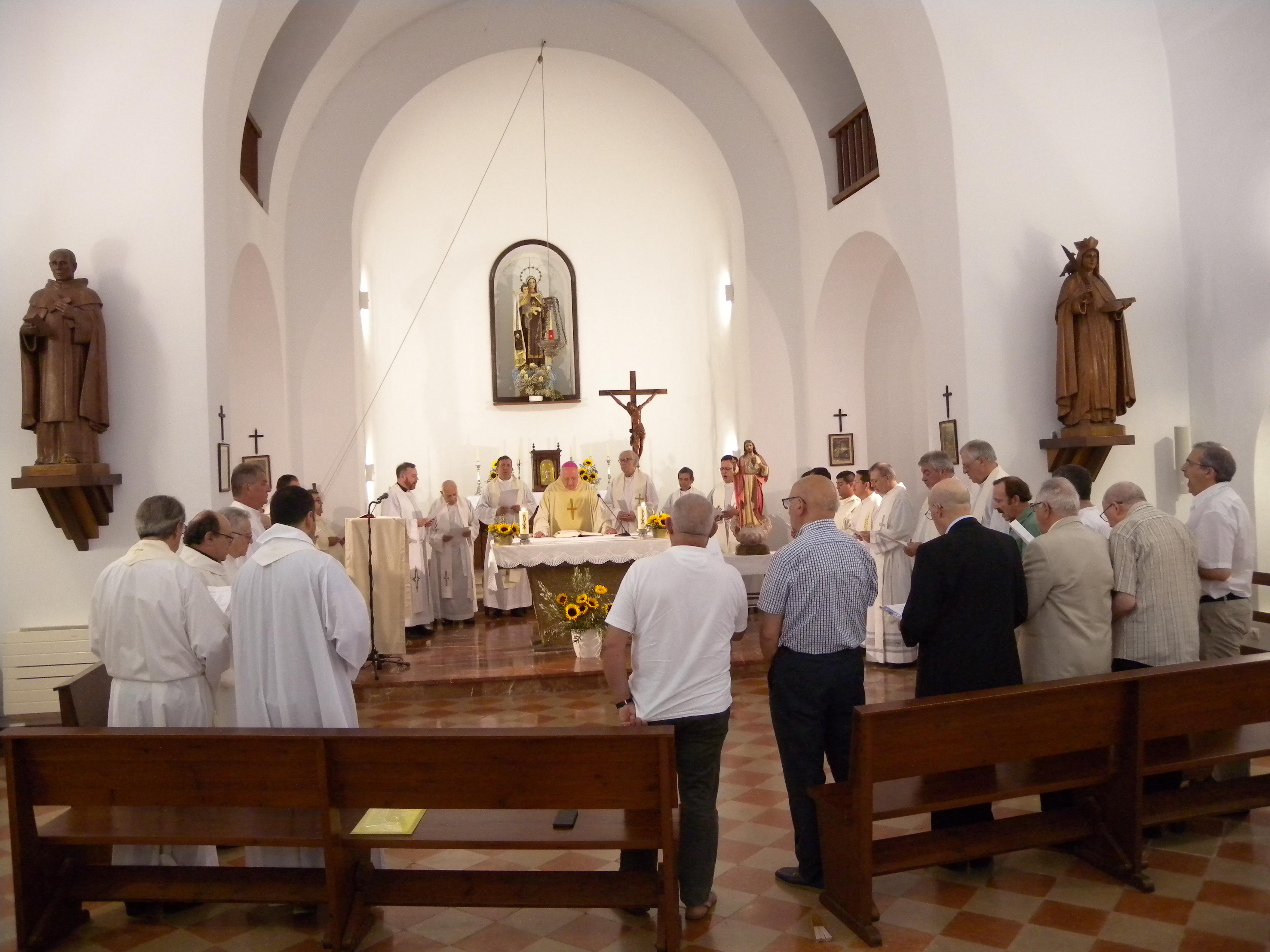 1 Despedida con sacerdotes